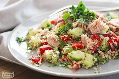 This delicious healthy chicken salad recipe is the best! Enjoy this easy salad on it on it's own or have it as a healthy chicken salad sandwich for lunch! Easy Greek Salad Recipe, Greek Salad Recipes, Chicken Salad Recipes, Healthy Chicken, Chicken Tacos, Vinaigrette, Healthy Breakfast Bowl, Breakfast Recipes, Bacon