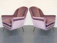 Pair of Pink Velvet Lounge Chairs by Gigi Radice Minotti Italy Dining Room Chairs, Club Chairs, Lounge Chairs, Vintage Sofa, Retail Interior, Interior And Exterior, Mid Century Chair, Pink Velvet, Sofa Chair