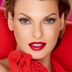 Como Maquillarse los Labios Segun Su Forma CentralMODA.COM