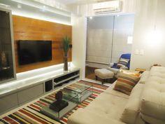 Os apartamentos estão cada vez menores e a utilização de uma boa marcenaria e móveis multifuncionais são uma ótima ideia para otimizar o espaço. Dê uma olhada nesses projetos de CasaPRO para se ins…