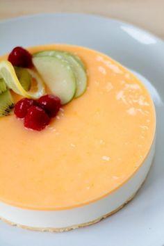 Yogurt and lemon mousse pie Dutch Recipes, Sweet Recipes, Baking Recipes, Köstliche Desserts, Dessert Recipes, Cheesecake Recipes, Yogurt, Mini Cheesecakes, Yummy Cakes