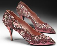 Most Iconic Looks of Dior -  Shoes by Roger Vivier