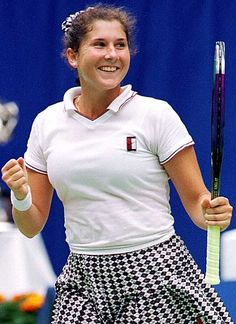 Monica Seles -- was always my favorite. She would hit the ball hard right after it hit the ground.. quite a good strategy.