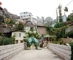 The Hulk in the Philippines - Follow me! Madison Grace @mrsmadisongrace