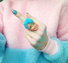 barbie head ring, teal and pink, statement jewelry, quirky accessories Soft Grunge, Grunge Style, Style Blog, Mode Style, Kitsch, Foto Online, Mode Pop, Harajuku, Foto Blog