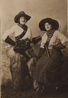 up like toast: Vintage Cowgirls