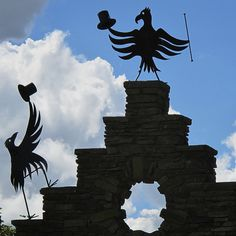 The Forbidden Corner = Awesome Yorkshire England, North Yorkshire, Forbidden Corner, Weird And Wonderful, Days Out, Great Places, Whimsical, Silhouette, Spaces