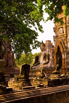 World Heritage - the ruins of towers and gigantic monasteries indicate that Ayuthaya was one of Indo-China's most prosperous cities in Thailand. Thailand Travel, Asia Travel, Places To Travel, Places To See, Laos, Wonderful Places, Beautiful Places, Ayutthaya Thailand, Ancient Ruins