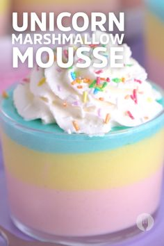 Learn how to make easy Unicorn Mousse with this simple marshmallow recipe! 😍 #LifeHack: this makes a great kids party idea, easy dessert idea and is perfect for unicorn-themed anything. Go ahead, try it, it's a great no-bake, easy, prep ahead sweet treat 🥳 Easy Desserts, Delicious Desserts, Dessert Recipes, Dessert Games, Recipes With Marshmallows, Mini Apple, Melting Chocolate, Food Videos, Mousse