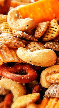 Make ahead crunchy, salty, savory Italian Parmesan Party Mix bursting with cashews, pretzels, and chex in every bite is the perfect easy go-to party snack! Snack Mix Recipes, Gourmet Recipes, Appetizer Recipes, Cooking Recipes, Snack Mixes, Yummy Recipes, Bugles Recipe, Party Mix, Savory Snacks