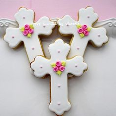 This Listing is for Custom Butter/Sugar Cross Cookies available on the color or your theme Party. You can order 6, 12, 18, 24 and + the amount that you need. *****-- FRESH-- *****--NEVER FOZEN--***** ( MADE TO ORDER) *********************-------------PLEASE CONTACT me for