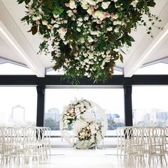 Currently dreaming about this ceremony set up...Styling by @thestyleco + Photography by @hikariphotography x