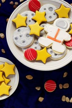 Outer Space Cookies - Simple sugar cookies decorated with royal icing- great for Earth Day and Birthday Parties by www.thebearfootbaker.com