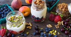 An early morning hike always calls for my Vegan Power Parfait! Pack a mason jar of this and it will keep you fueled for hours! ⭐️Layer 1 cup fresh organic berries of your choice I use a mix. Going Vegetarian, Vegetarian Recipes Easy, Healthy Breakfast Recipes, Healthy Snacks, Eating Healthy, Healthy Recipes, Mason Jar Breakfast, Breakfast Parfait, Sweets