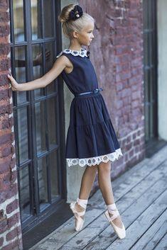 Tween Fashion, Little Girl Fashion, Little Girl Dresses, Toddler Fashion, Girls Dresses, Flower Girl Dresses, School Dresses, Stylish Kids, Child Models