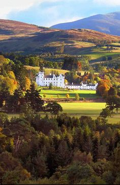 Blair castle surounded by autumn colors - Pitlochry, Scotland