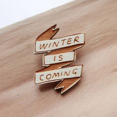 Winter is coming, Game of thrones http://ohhdeer.com/product/game-thrones-winter-here-brooch