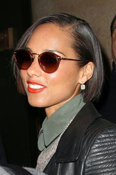 Alicia Keys New Haircut | Alicia Keys Alicia Keys shows off a new short hair cut as she is ...