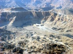 Hatshepsut's temple. The town of Qurna is at the lower left, tombs on the right.