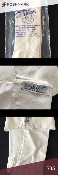 """VTG Ivory Italian BARRA Gloves Sz 7 Original Pkg This is a LOVELY pair of bone-colored lambskin leather Barra Gloves.  Made in Italy.  These are in EXCELLENT condition and are the perfect addition to your vintage wardrobe.  In their original plastic sleeve.  You won't be disappointed!   Label Size: 7 14"""" tip of middle finger to opening Vintage Accessories Gloves & Mittens"""
