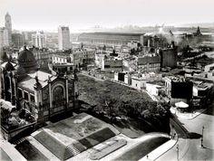 Una vista del Pabellón, el pasaje Falucho y mas atrás la Estación Retiro.