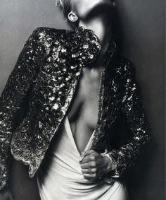 Iris Strubegger in 'La Femme Ford' - Photographed by Mert & Marcus (Vogue Paris December Vogue Paris, Estilo Folk, Portraits, Glam Rock, Looks Style, Couture Dresses, White Fashion, Editorial Fashion, White Editorial