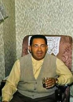 Chicago Outfit's North Side Boss from the Ross Prio having a drink in this home photo. Real Gangster, Mafia Gangster, Mafia Game, Chicago Outfit, Al Capone, Thug Life, The Godfather, Judith Barsi, Crime