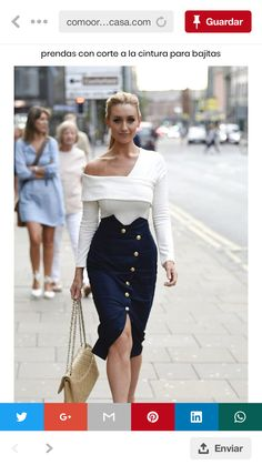 Stepping out in style: Catherine Tyldesley was enjoying some time off on Thursday, dining with a gal pal at Impossible Bar and Restaurant in Manchester outfits style summer teenage frauen sommer for teens outfits Look Fashion, Womens Fashion, Fashion Design, Fashion Trends, Fashion Ideas, High Fashion, Classy Outfits, Chic Outfits, Work Outfits