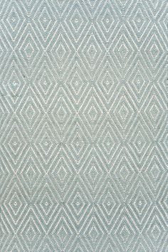 Diamond Light Blue/Ivory Indoor/Outdoor | Dash & Albert Rug Company