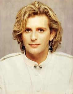 Green Gartside / Scritti Politti 'I took a backseat, a backhander, I took her back to her room I better get back to the basics for you, oh yeah' 80s Music, Music Love, Music Is Life, Romantic Men, Album Songs, Teenage Years, Post Punk, 80s Fashion, Eye Candy