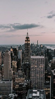 without you is how i disappear on We Heart It *Around the world* Image de City, New York und Travel New York Wallpaper, City Wallpaper, Travel Wallpaper, City Aesthetic, Travel Aesthetic, Aesthetic Backgrounds, Aesthetic Wallpapers, Photographie New York, City Vibe