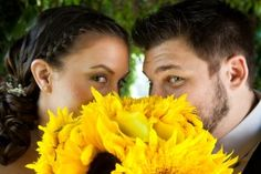 wayyyyy cute picture of sunflower wedding