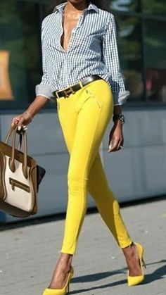 Unravel Casual Outfit inspirations (but lovely) style females will certainly be trying right away. Mode Outfits, New Outfits, Trendy Outfits, Summer Outfits, Yellow Jeans Outfit, Yellow Pants, Yellow Dress, Latest Fashion Dresses, Latest Fashion Trends