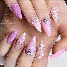 Sarah from @getbuffednails can do no wrong! Isn't this #naildesign #beautiful?