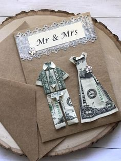 Money Bouquet Discover Origami card bride and groom wedding card origami money wedding gift gift card holder money card engagement card Engagement Card Message, Engagement Cards, Origami Cards, Money Origami, Origami Paper, Creative Money Gifts, Creative Wedding Gifts, Money Bouquet, Folding Money