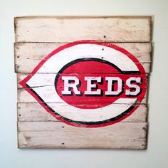 Cincinnati Reds Wall Hanging by PalletsandPaint on Etsy