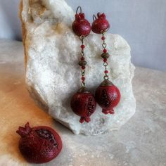 Pomegranate beads
