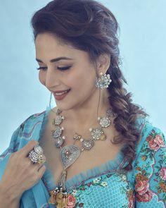 💫 Choli Dress, Bridal Lehenga Choli, Silk Lehenga, Blue Lehenga, Lehenga Style, Silk Dupatta, Floral Lehenga, Choli Designs, Party Wear Lehenga
