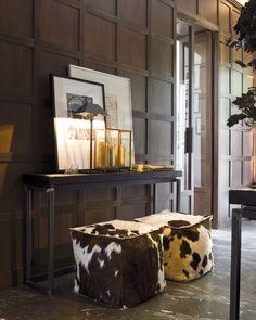 Verzelloni-Stylistin Antonella Frezza - home accessories - Dekor Labor Decorating Your Home, Interior Decorating, Interior Design, Modern Interior, Interior Exterior, Interior Architecture, Cowhide Decor, Tadelakt, Interior Inspiration