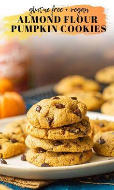 One bowl, gluten free chocolate chip pumpkin cookies made with almond flour Gluten Free Pumpkin Cookies, Pumpkin Chocolate Chip Cookies, Gluten Free Desserts, Vegan Desserts, Vegan Sweets, Health Desserts, Sweet Desserts, Delicious Desserts, Almond Flour Cookies