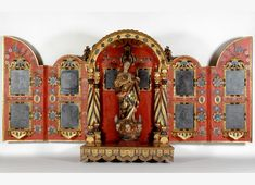 Tabernáculo.  Segunda mitad del siglo XVIII.  Madera policromada y dorada, y espejos