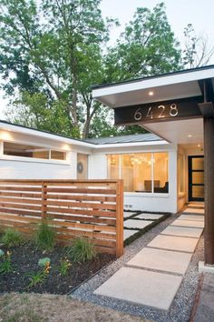 Adorable 25 Modern Front Yard Landscaping Ideas https://homeylife.com/25-modern-front-yard-landscaping-ideas/