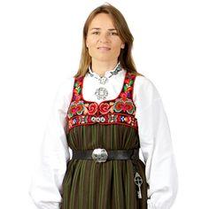 KYRKJESTAKK GOL I MED OMSLAGSLIV I Øvre Hallingdal (Ål og Hol), gjekk enkelte eldre kvinner med stakk heilt fram til 1980-tallet. Stakken var eit plagg som vart brukt til alt. Den finaste stakken var kyrkjestakken, i svart stakkestoff med tjukksaumsbrodei, og med kvit stakkeskjorte. Meir uvande stakkar var andre fargar eller i rutete og stipete ullstoff. I dag blir stakken brukt til høgtid og utvalet av stakkar og skjorter er stort!