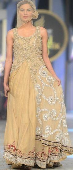 Latest Pakistani bridal dresses 2017 in Pakistan very Beautiful Latest Bridal Dresses, Pakistani Bridal Dresses, Pakistani Outfits, Unique Dresses, Formal Dresses, Wedding Dresses, Maxi Dresses, Bridal Collection, Dress Collection