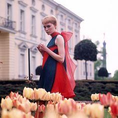 Mia Farrow #tulips #chiffon #vintage #1960s #pixie