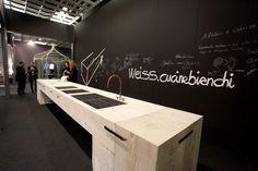 Lo stand di Weiss: Best Communicator Award 2015, il premio dedicato al miglior spazio espositivo e all'exhibit design // Best Communicator Award 2015. The award for the best exhibit space. #Marmomacc #Marble #Stone #Design #Verona #architecture #award http://architetturaedesign.marmomacc.com/premi-e-concorsi/best-communicator-award/premio-spazio-espositivo/
