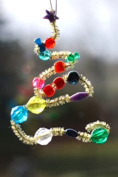 Beaded Pipe Cleaner Ornaments for the Christmas Trees