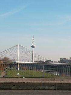 Uff de Kurpfalzbrück'... Louvre, Building, Travel, Mannheim, City, Viajes, Buildings, Destinations, Traveling