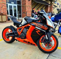 KTM RC8 1190. Beauty in orange                                                                                                                                                                                 Mais