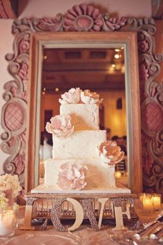 """Mirror behind the cake to """"frame"""" it and make the whole thing visible."""